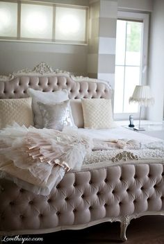 Romantic White dress bedroom #dream #home For guide + advice on lifestyle, visit www.thatdiary.com