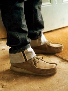 wallabees Clarks Shoes Mens, Clarks Boots, Men's Clarks, Clarks Wallabee, Leather Fashion, Fashion Shoes, Mens Fashion, Gentleman Style, Southern Gentleman