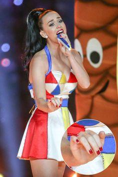 DIY INSPIRATION | Katy Perry (Super Bowl) Beach Ball Costume