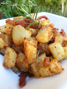 Sandy potatoes with bacon-Patate sabbiose allo speck Sandy potatoes with bacon - Cooking For Two, Cooking Chef, Cooking Light, Easy Cooking, Healthy Cooking, Cooking Steak, Cooking Bacon, Cooking School, Cooking Kale