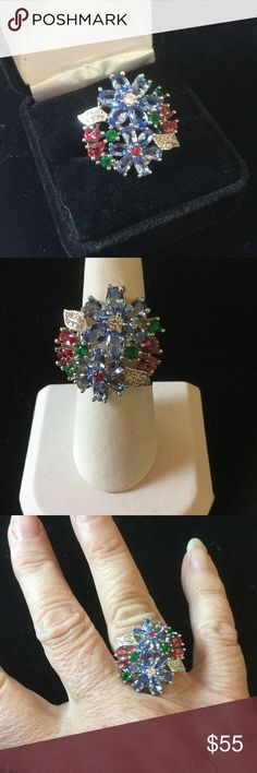 Elegant Crystal Flower CZ Ring This is a very artistic,  labor intensive setting. I bought these at auction last week.  It is not easy to read the markings.  The auctioneer didn't know either.  All I know is that is remarkable,  you can see in the pics ! Local auction Jewelry Rings