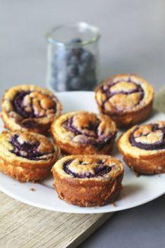 Mini blueberry cheesecakes - Beaufood - Mini blueberry cheesecakes, Cheesecake recipe healthy, Cheesecake blueberries, Small cheesecakes, G - Healthy Cheesecake, Gluten Free Cheesecake, Blueberry Cheesecake, Healthy Cake, Healthy Baking, Cheesecake Recipes, Healthy Desserts, Birthday Desserts, Cake Ingredients
