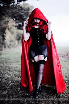 Shmexy Little Red Riding Hood Costume: Not too difficult to re-create- black corset(love the gold buttons)+the black body harder belt and sheer thigh highs+some lace up pumps wouldn't be bad either+and off course the floor length red cape. Goth Beauty, Dark Beauty, Halloween Outfits, Halloween Ideas, Harley Queen, Halloween Kleidung, Red Riding Hood Costume, Halloween Disfraces, Gothic Girls
