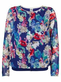 Floral printed bomber jacket. We love this bomber for summer <3 #veromoda #bomber #jacket #florals #print