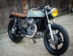 Awesome cafe racer created from a cheap CX500 #motorcycles