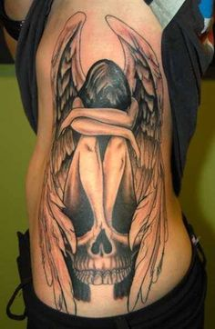 grey-ink-skull-and-fallen-angel-tattoo-on-side-rib.jpg (391×600)