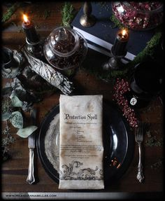 Transform vintage linens into Antique Witches' Spell Napkins with a tea staining tutorial and an image transfer method. Perfect additiona to a Witch Inspired Dinner Party Diy Vintage, Vintage Tea, Vintage Witch, Vintage Holiday, Wiccan Wedding, Medieval Wedding, Halloween Dinner, Halloween Crafts, Halloween Weddings