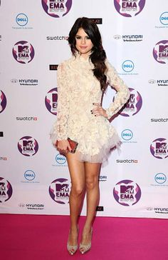 blog_Selena-Gomez-at-2011-MTV-Europe-Music-Awards-_1.jpg (520×803)