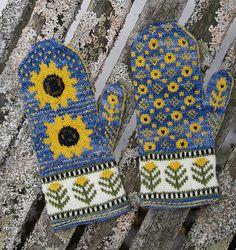 Reloaded pattern by Nancy Vandivert Ravelry: Helianthus pattern by Nancy Vandivert A must - I really need happy mittens!Ravelry: Helianthus pattern by Nancy Vandivert A must - I really need happy mittens! Knitted Mittens Pattern, Knit Mittens, Knitted Gloves, Knitting Socks, Hand Knitting, Loom Knitting, Finger Knitting, Knit Cowl, Knitting Designs