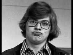 We all know Jeffrey Dahmer was abit of an odd fellow,he did eat people after all. But do you know all of these weird Jeffrey Dahmer facts Ps Wallpaper, Famous Serial Killers, Jeffrey Dahmer, Ted Bundy, Duck Face, My Life Style, Criminology, About Time Movie, True Crime