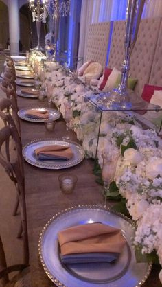 Wedding table sans silverware