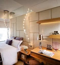 moderner rechteckiger couchtisch in weiß und messing #wohnidee, Wohnzimmer dekoo