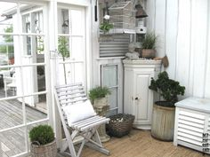 White, shabby and rustic - wonderful.