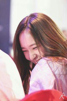 The most wonderful smile I have ever seen Krystal Fx, Jessica & Krystal, Krystal Jung Fashion, Stupid Girl, Mamamoo Moonbyul, Sulli, Her Smile, My Princess, Woman Crush