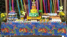 Mesa do bolo - Festa Tropical - Rafael e Maria Eduarda 2016 (Foto: @amandarut_ )