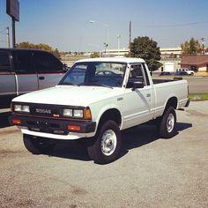 Nissan With a motor Pick Up Nissan, Nissan 4x4, Nissan Trucks, Old Pickup Trucks, 4x4 Trucks, Lifted Trucks, Cool Trucks, Nissan Frontier 4x4, Nissan Hardbody