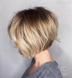 Messy Jaw-Length Blonde Balayage Bob