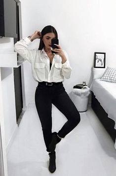 Today we are going to talk about work outfits for winter and I will show you my first job interview outfit. White Shirt Outfits, Cute Casual Outfits, Chic Outfits, Fashion Outfits, Party Outfit Casual, Formal Outfits, Rock Outfits, Emo Outfits, Fashion Boots