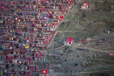 Larung Gar — Buddhist Village © Marco Grassi