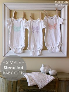 Simple DIY baby gift ideas: stenciled onesies and burp cloths - framed Diy Baby Gifts, Baby Crafts, Handmade Gifts, Baby Sewing, Burp Cloths, Baby Shower Decorations, Baby Love, Onesies, Baby Onesie