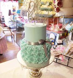 Buttercream in blue vaby shower cake #carinaedolce www.carinaedolce.com www.facebook.com/carinaedolce Shower Inspiration, Baby Shower Cakes, Facebook, Desserts, Blue, Food, Meal, Deserts, Essen