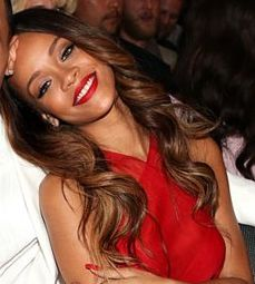 RiRi, I may not always love your music but I do always love your lipstick colors!