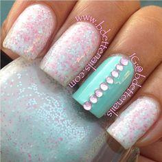 White/Pink glitter nail polish