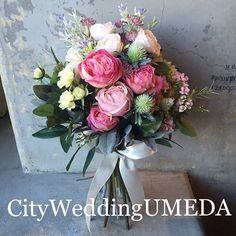 「可愛い〜〜❤️❤️❤️」 と喜んで頂けた まるで生花!な大人ピンクのクラッチブーケ❤️ シルクフラワーだけでなく、生花ブーケもオーダー頂けます 【モデルの宮田聡子さん風の髪型にティエーラでしてもらいました】 @daichikumamoto blog更新しました #宮田聡子 #CityWeddingUMEDA #wedding #ブーケ #ヘアメイク #結婚式準備 #結婚式 #ブライダル #ウエディング #pronovias #antonioriva #weddingdress #reemacra #verawang #bouquet #treatdressing #トリートドレッシング #ウエディングドレス #bouquet #ビジューボンネ #ビジューアクセサリー #ビジュー #プレ花嫁