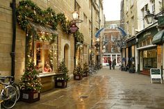 Cambridge, England at Christmas time. Oh yes please. Please please.