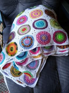 käsityöblogi Fun Projects, Knit Crochet, Plaid, Bedspreads, Crochet Blankets, Granny Squares, Pillows, Afghans, Retro