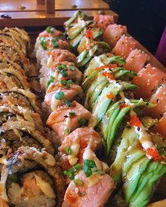 Delicious sushi Baby Food Recipes, Cooking Recipes, Healthy Recipes, Exotic Food, Food Goals, Aesthetic Food, Food Cravings, I Love Food, Soul Food
