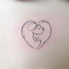 Esta idea minimalista pero valiosa, va para quienes tienen perrito y gatito en casa.   44 Delicados Tatuajes para demostrar tu amor infinito hacia tu mascota