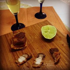 E depois o peixe  é que morre pela boca... #comidadebuteco #torresmo #limoncello #foodie #gastronomia #instamood #instapic #riointerior #serraacima #BalaiodeEstiloS