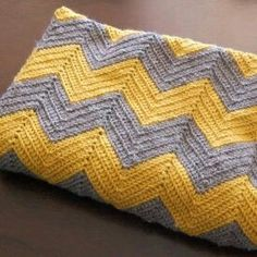 I LOVE grey and yellow - crochet chevron blanket