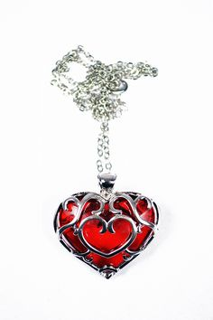 A perfect companion to The PixelSmithy's Skyward Heart. The Platinum Skyward Heart variant is inspired by popular Nintendo game The Legend of Zelda: Skyward Sword. The Legend Of Zelda, Geek Jewelry, Body Jewelry, Fashion Jewelry, Scott Pilgrim, Jewelery, Mario, Nintendo, Geek Stuff