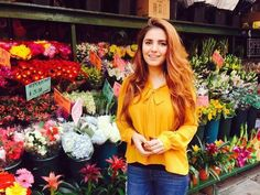 Momina mustehsan most beautiful picture collection. Famous Celebrities, Celebs, Pakistani Culture, Legendary Singers, Beautiful Girl Photo, Beautiful Things, Pakistani Actress, Picture Collection, Stylish Girl