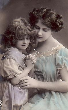 mothers and daughters  | vintage Love between mother & daughter