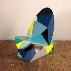 Papp-Sessel EGG bemalt  Stange Design Pappmöbel