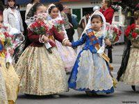 So cute! Visit us in Fallas 2014!! Qué monas! Visítenos en Fallas 2014!!!  budget accommodation at www.riverhostelvalencia.com/