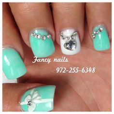mint bow nails<3