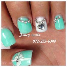 mint bow nails<3