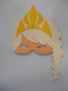 Máscara decorada conforme o tema, confeccionada em papéis de alta gramatura  Pacote com 10 unidades  papeis sujeitos à disponibilidade do fornecedor local  Despachamos para todo o Brasil, mediante correios, frete pelo comprador,  Criação Tania Freitas para o Dona Dondoca Criações R$ 35,00