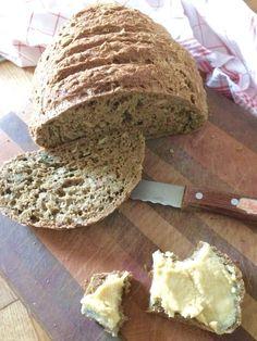 glutenfreies hefefreies Brot mit Teffmehl