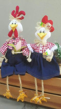 Chicken Quilt, Chicken Pattern, Chicken Crafts, Plastic Bag Holders, Bazaar Ideas, Coq, Outdoor Christmas, Diy Paper, Felt Crafts