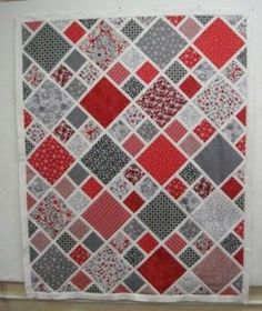 small and large scale lattice quilt by adrian