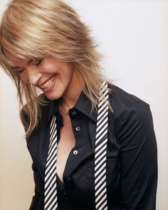 See the latest images for Leisha Hailey. Listen to Leisha Hailey tracks for free online and get recommendations on similar music. Medium Shag Haircuts, Long Shag Haircut, Shag Hairstyles, Scene Hairstyles, Short Blonde, Blonde Hair, Leisha Hailey, Medium Hair Styles, Short Hair Styles