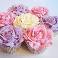 Buttercream Rose Cupcakes by missnattiescupcakes.co.uk Buttercream Cupcakes, Tasty, Yummy Food, Beautiful Cakes, Cake Decorating, Coconut, Desserts, Recipes, Bournemouth