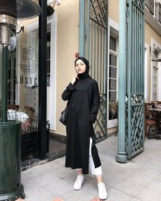 ZAFUL offers a wide selection of trendy fashion style women's clothing. Modern Hijab Fashion, Street Hijab Fashion, Hijab Fashion Inspiration, Muslim Fashion, Mode Inspiration, Fashion Outfits, Hijab Casual, Hijab Chic, Ootd Hijab