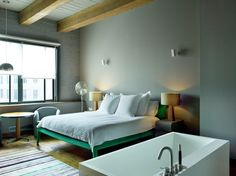 The East Coast outpost of the London members-only club, Soho House hotel New York exudes Brit chic in the heart of the Meatpacking District. Small Space Design, Small Spaces, Soho House Hotel, Soho Style, Hotel Concept, Green Bedding, Interior Photography, Photography Series, Basement Bedrooms