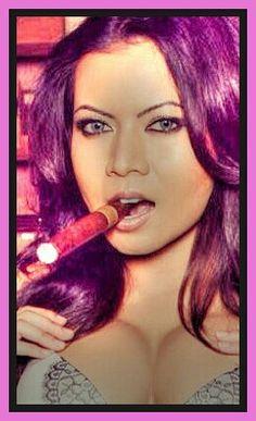 Cigars And Women, Women Smoking Cigars, Cigar Smoking, Cigars And Whiskey, Good Cigars, Smoking Is Bad, Cigar Club, Men's Style, Sexy Women